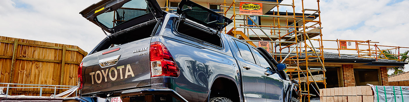 Toyota Hilux canopy with windows